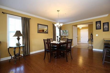 Breakfast-Room-in-Lower Unit-at-Edgewood Commons Condominiums-in-Rotterdam