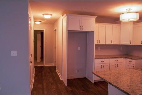 Kitchen-in-Lower Unit-at-Edgewood Commons Condominiums-in-Rotterdam