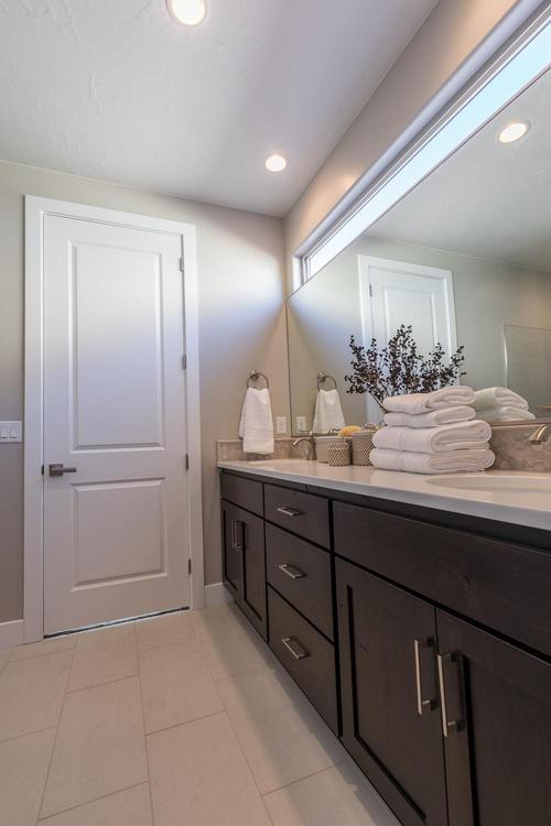 Bathroom-in-Indigo-at-BRIO-in-Washington