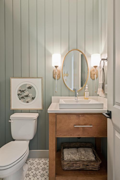 Bathroom-in-Madrid-at-The Views-in-Washington