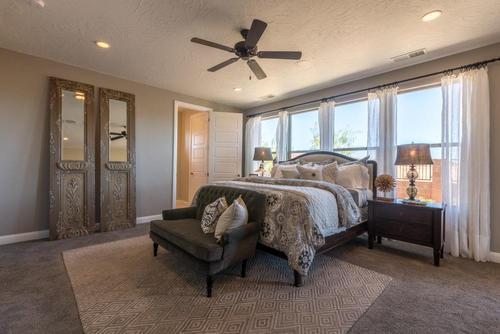 Bedroom-in-Crimson-at-BRIO-in-Washington