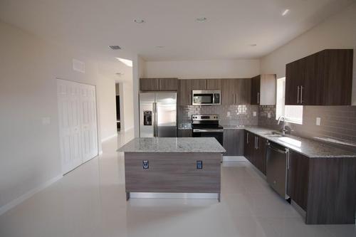 Kitchen-in-Model E-at-Oakwood Grove Estates-in-Homestead