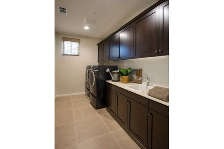Laundry-in-Residence 4 - Iron Horse-at-The Bridges-in-Fillmore