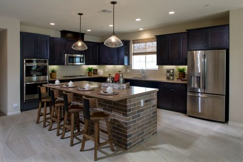 Kitchen-in-Residence 4 - Iron Horse-at-The Bridges-in-Fillmore