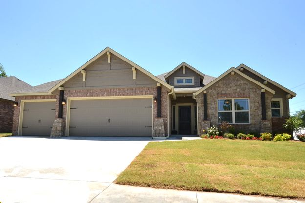 Craftsman Styling:Pecan Estates Model Home has Great Street Appeal with Craftsman Styling!