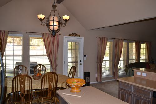 Dining-in-Creekshire IV-at-Fox Pointe-in-Disney