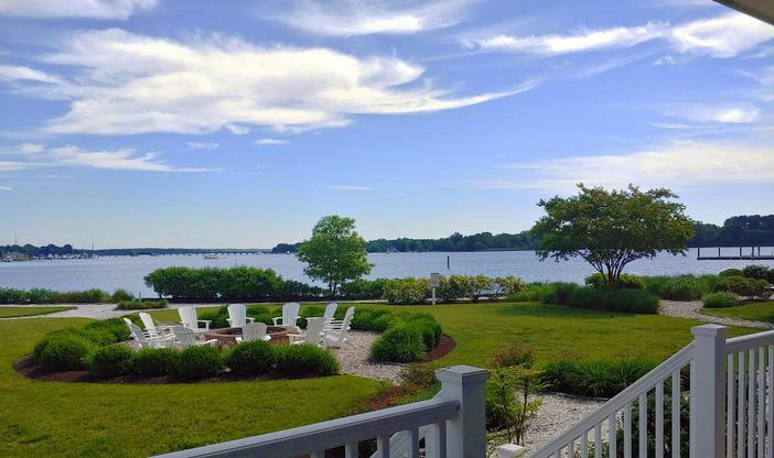 Waterfront Rear Deck:Private Waterfront Rear Covered Porch!