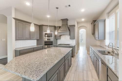Kitchen-in-Design 7802-at-Pomona 75'-in-Manvel