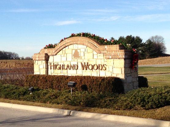Highland Woods,60124