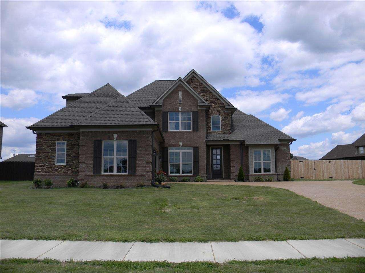 D d custom homes llc developments in memphis newhomes for Modern homes llc
