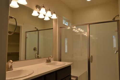 Bathroom-in-Plan 1-at-River Pointe-in-Waterford