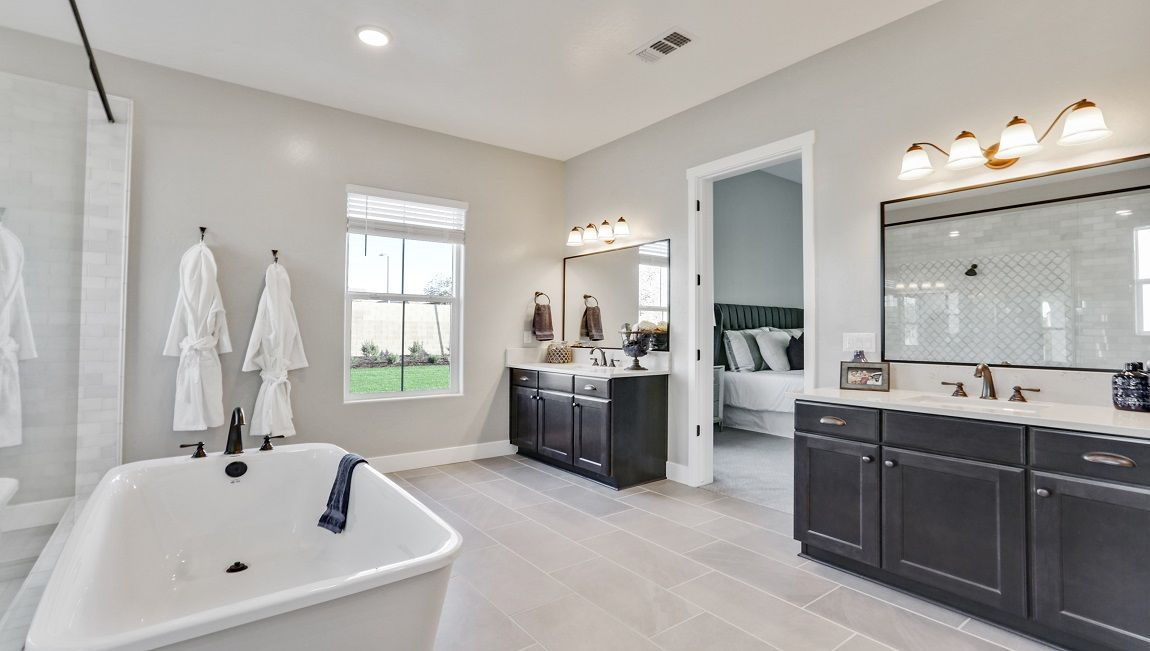 Bathroom featured in the Fairfield By D.R. Horton in Visalia, CA