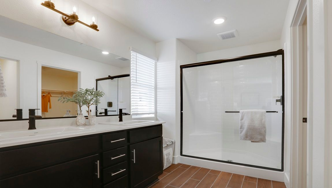 Bathroom featured in the Coolidge By D.R. Horton in Visalia, CA