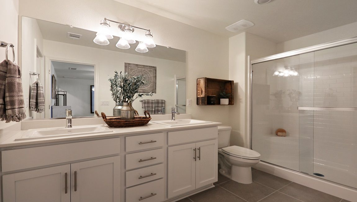 Bathroom featured in the Lincoln By D.R. Horton in Visalia, CA
