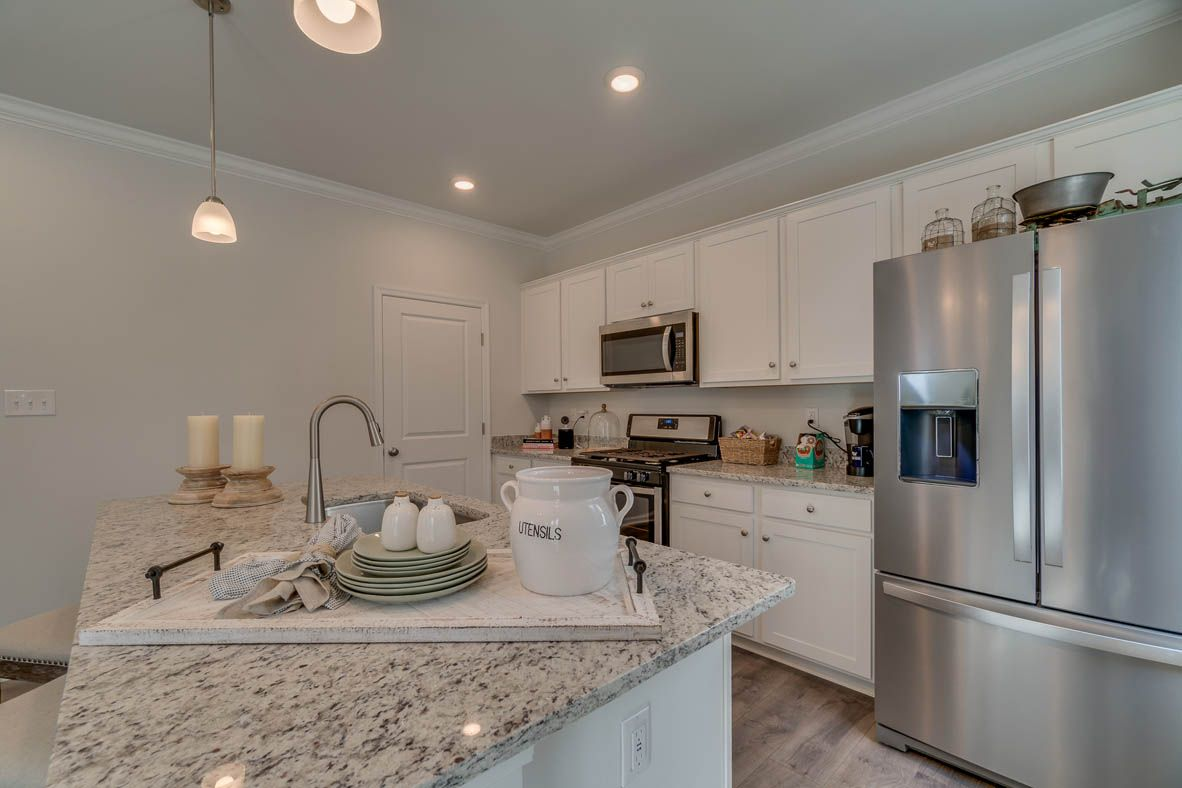 New Home Kitchen Design Ideas And Inspiration Homluv
