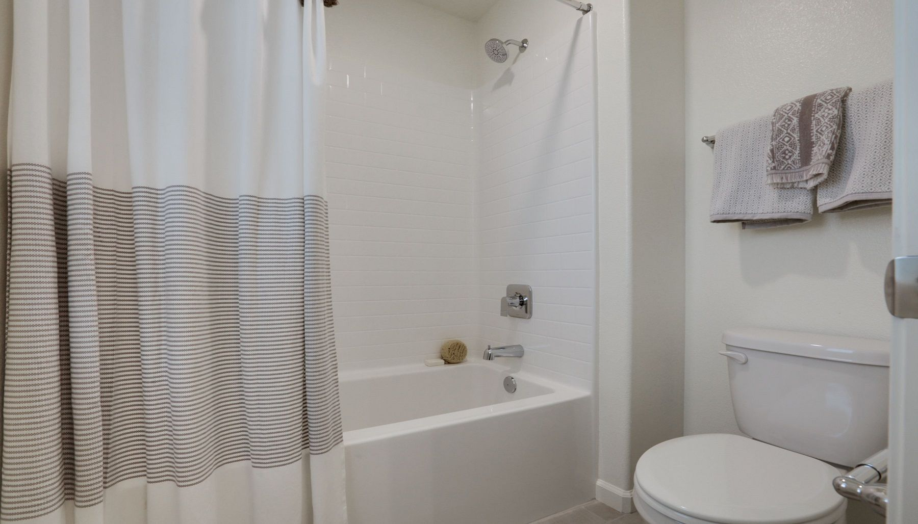 Bathroom featured in the Monroe By D.R. Horton in Bakersfield, CA