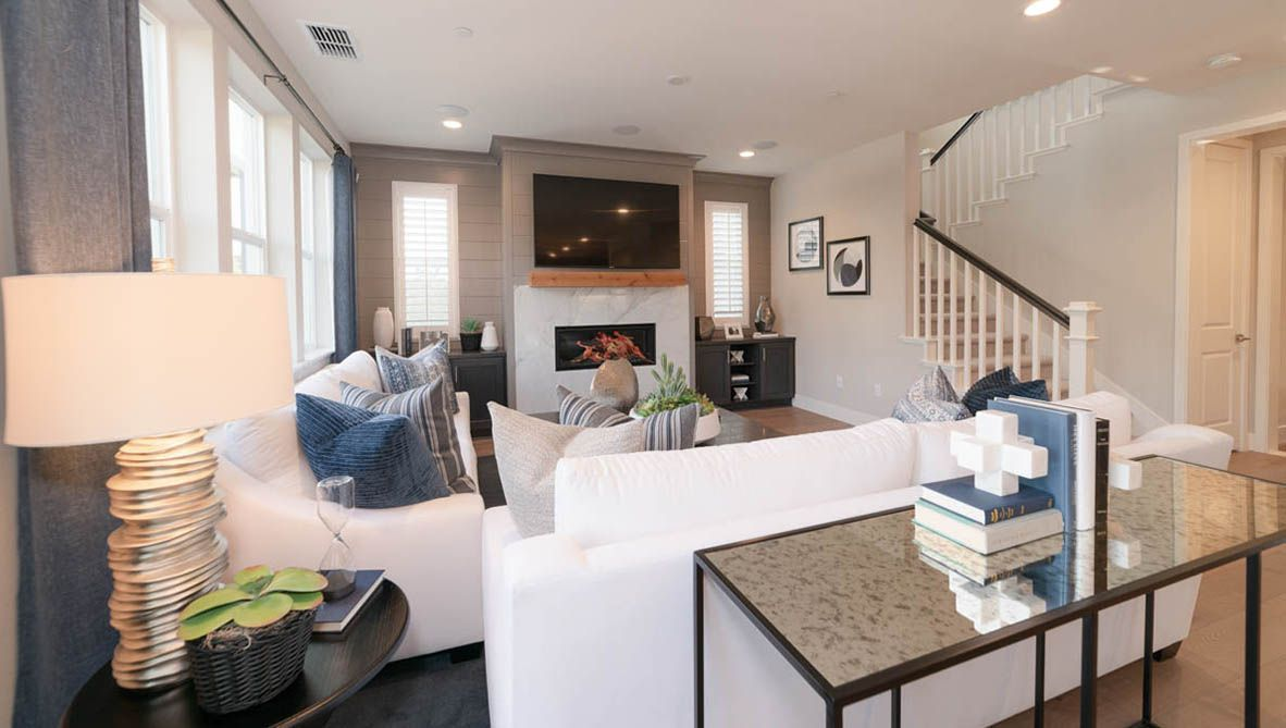 Living Area featured in the Residence 2 By D.R. Horton in San Francisco, CA