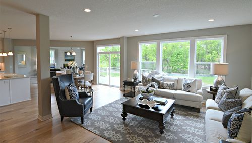 Greatroom-and-Dining-in-The Hampton-at-The Ridge-in-Eagan