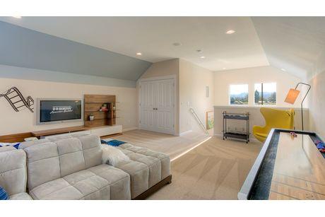 Recreation-Room-in-Cambridge-at-Belle Haven-in-Marysville