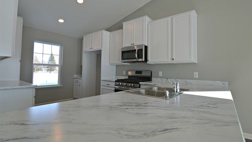 Kitchen-in-Bryant-at-Copper Ridge Raised Ranch Homes-in-Woodbury