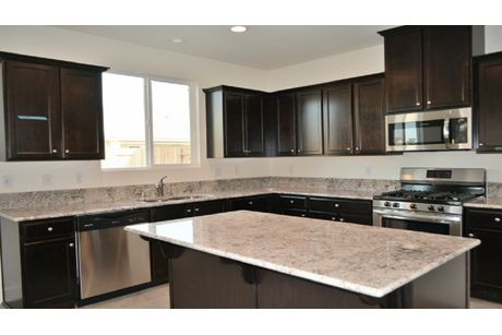 Kitchen-in-Winfield-at-Quail Creek-in-Tulare