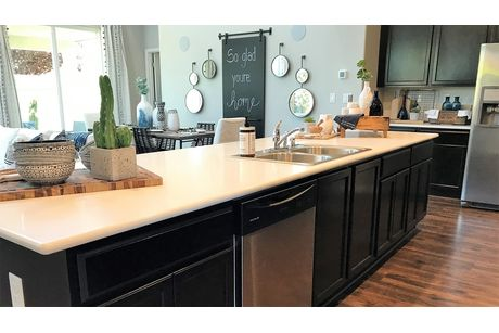 Kitchen-in-Verona-at-Sera Vista-in-Bakersfield