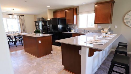 Kitchen-in-Cascade-at-River Run-in-Visalia