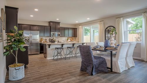 Greatroom-and-Dining-in-Shiloh-at-Arbor Trail-in-Visalia