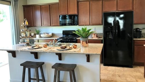 Kitchen-in-Shiloh-at-Arbor Trail-in-Visalia