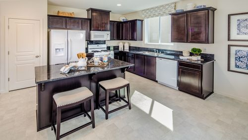 Kitchen-in-Cypress-at-Laredo-in-Lemoore