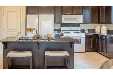 Kitchen-in-Cypress-at-Laredo-in-Lemoore