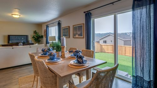 Dining-in-Berkshire 3706-at-Whispering Heights-in-Salem