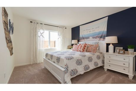 Bedroom-in-Cascade-at-Coventry II-in-Coalinga
