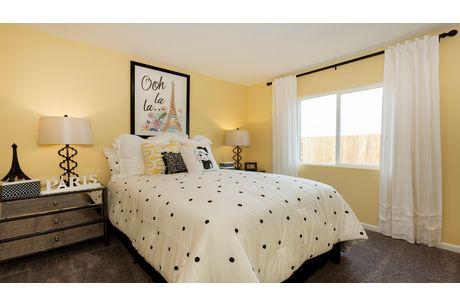 Bedroom-in-Geneva-at-Coventry II-in-Coalinga