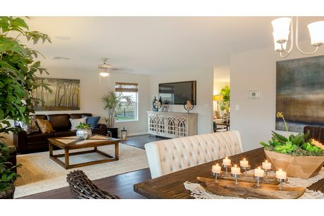 Greatroom-and-Dining-in-Stratton-at-Coventry II-in-Coalinga