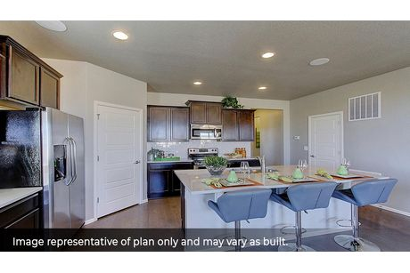 Kitchen-in-Cali-at-Silver Peaks-in-Lochbuie