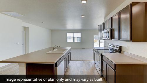 Kitchen-in-Orchard-at-Silver Peaks-in-Lochbuie