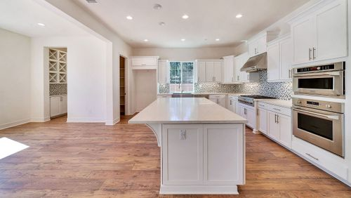 Kitchen-in-Residence 2702-at-Kingston at Northpointe-in-Canoga Park