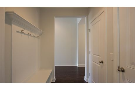 Mud-Room-in-Litchfield-at-Woodbury Park-in-Johns Island