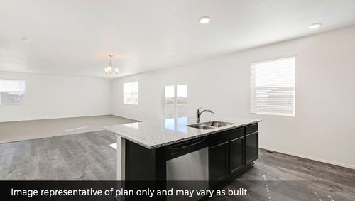 Kitchen-in-Flora-at-Silver Peaks-in-Lochbuie