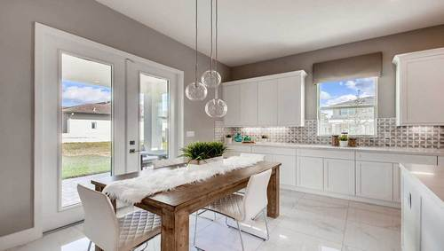Dining-in-Yellowstone-at-Manchester Estates-in-Miami
