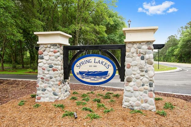 Front Entrance Sign - Spring Lakes- DSLD Homes Covington