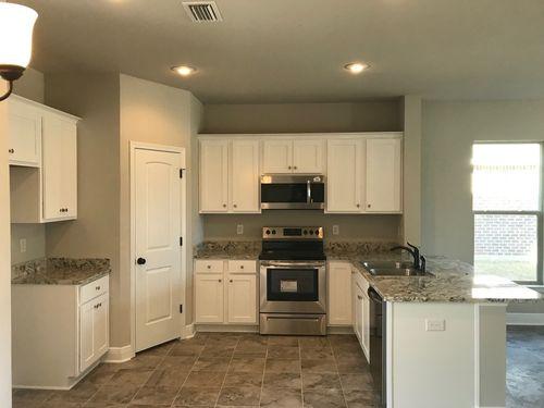 Kitchen-in-8833 BELLAWOOD CIRCLE-at-Bellawood-in-Pensacola