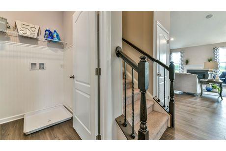 Stairway-in-Aspen II-at-Eastview Manor-in-Fairmont