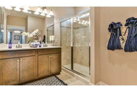 Bathroom-in-Aspen II-at-Eastview Manor-in-Fairmont