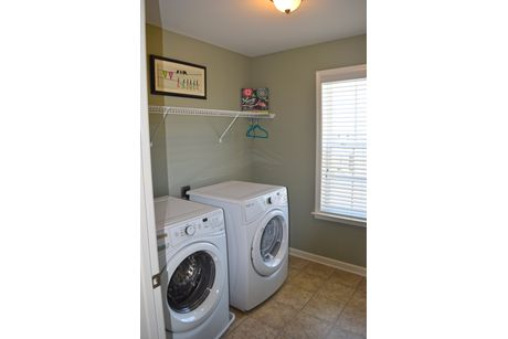 Laundry-in-Bristol II-at-Wyncrest Estates-in-Butler