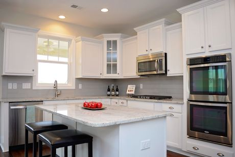 Kitchen-in-Drayton-at-Glenview Park-in-Travelers Rest