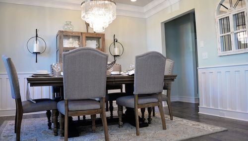 Dining-in-Stonefield-at-The Reserve at Richglen-in-Greer