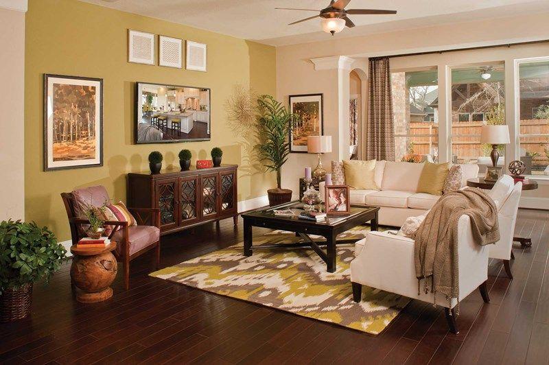 ... The Holcombe   Family Room ...
