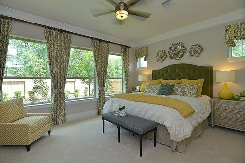 Bedroom-in-Bynum-at-The Falls - Birchwood Canyon-in-Spring